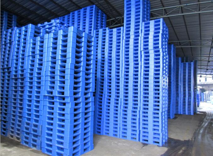 plastic pallet in warehouse